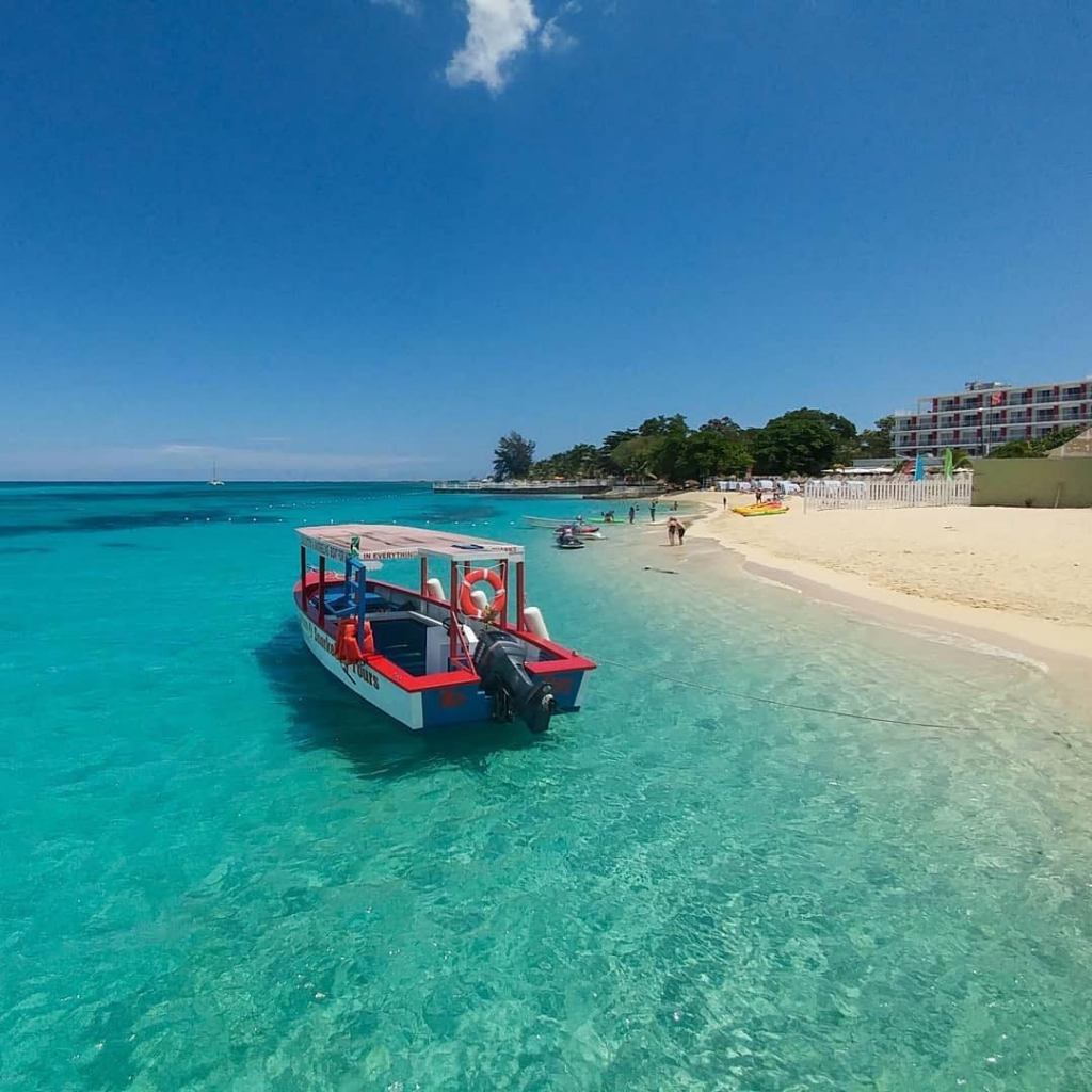 The Top 5 Best Beaches In Montego Bay