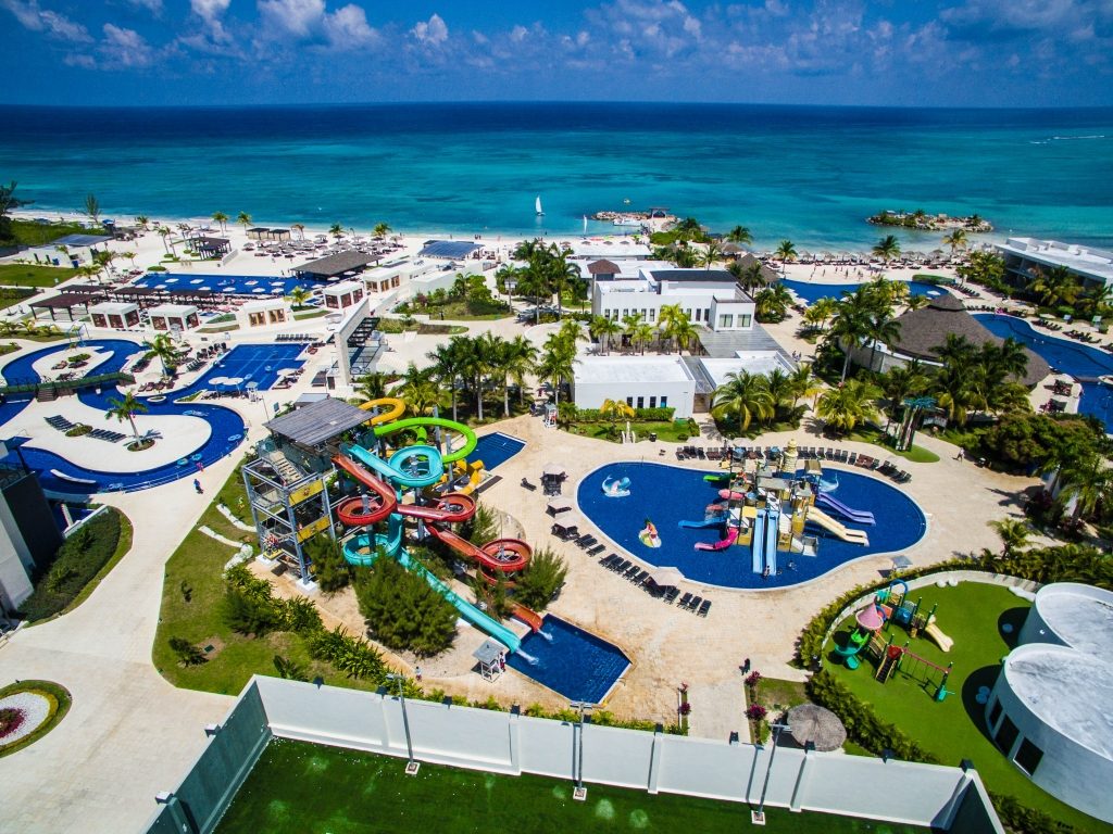 10 Best AllInclusive Family Resorts in Jamaica  Things